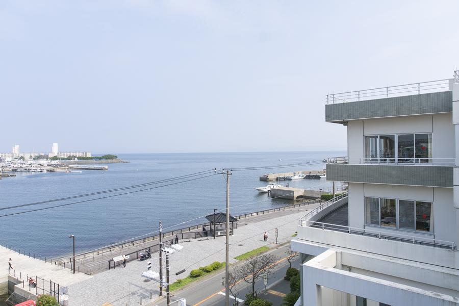 目の前には浦賀湾が広がります